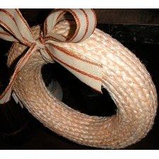 Corona de yute natural. Aprox 35 cms