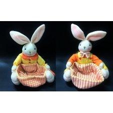 Pareja de conejos con cestita