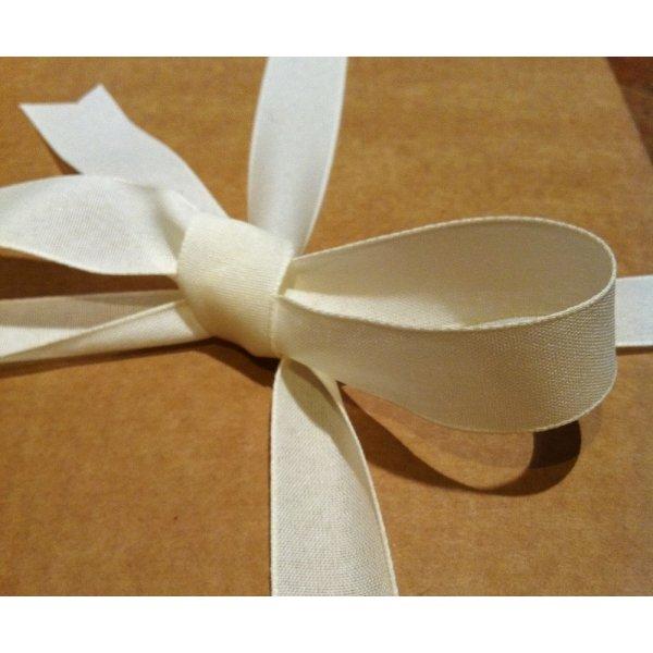 Cinta de regalo en algodón color marfil. Varios anchos