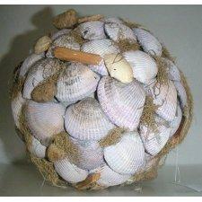 Bola decorativa, con conchas. 22 cms