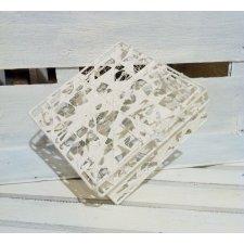 Caja metálica, calada, blanca 13x13x5 cms