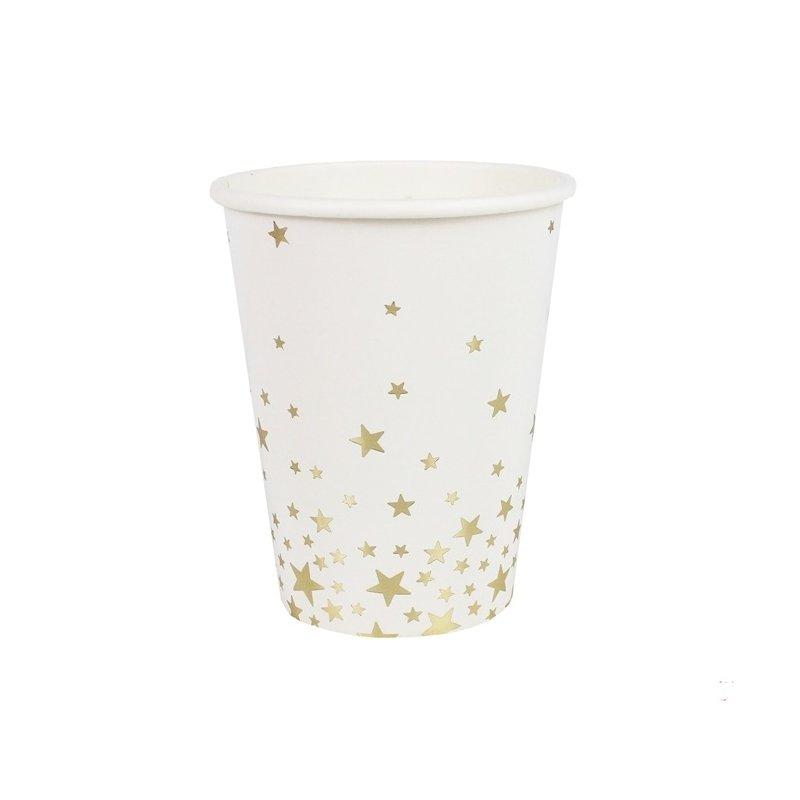 8 Vasos de papel blanco con estrellas doradas.