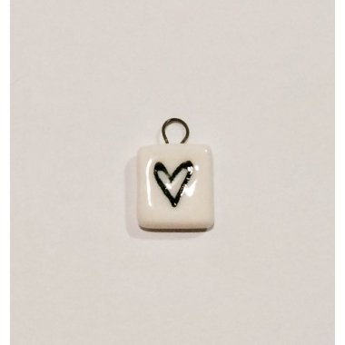 3 Colgantes de porcelana con corazón