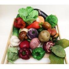 Caja de madera con 22 verduras
