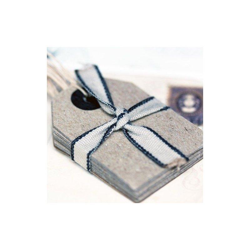 6 Etiquetas colgantes grises, con arandela y cordón. 4.3x5.8cms.