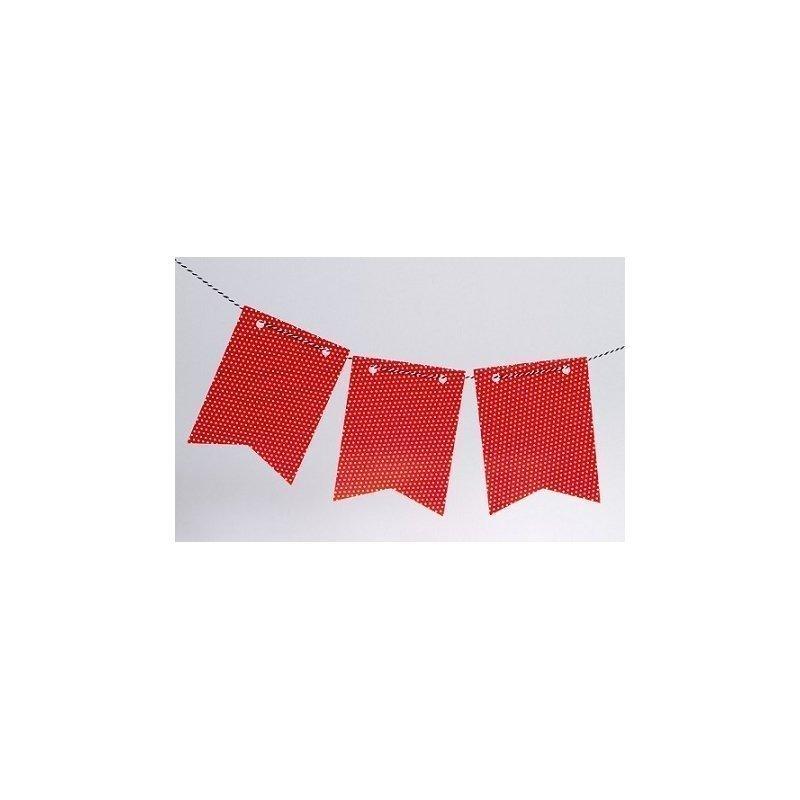 Guirnalda con banderines rojos con lunares blancos