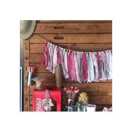 Guirnaldas con tiras de tela. Disponibles en varios colores