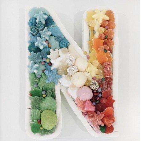 Letra con chuches multicolor