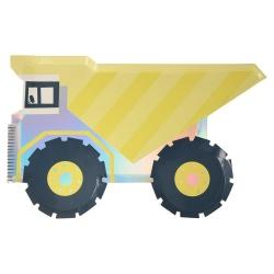 8 Platos de papel en forma de camión-remolque.