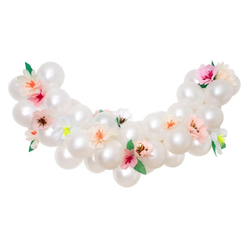 Guirnalda de globos blancos con flores. Kit diy